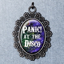 Кулон  PANIC! AT THE DISCO 5kp55